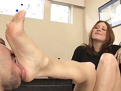 Brunette hammered in gonzo foot fetish scene