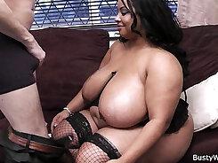 Big Booty Ebony BBW Shake And Suck