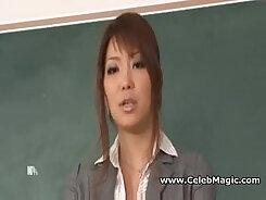 Chinese Teacher Picks Up Japanese Students