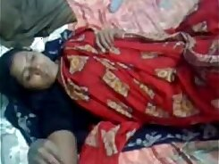 Indian disobedient muslim aunty at home